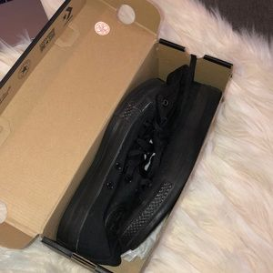all black hi top converse (women's 7) NEVER WORN
